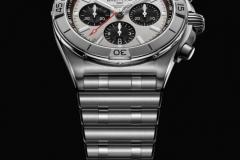 thewatchhand-breitling-chronomat-b01-1