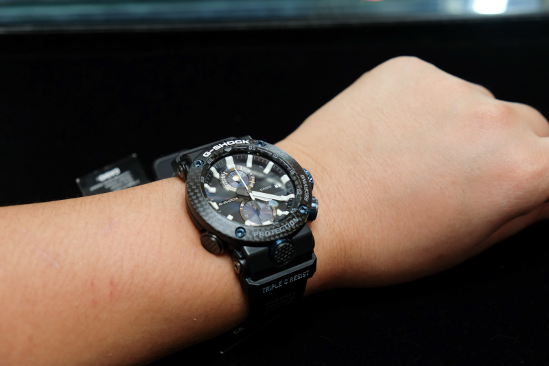ef09053fe76e Exploring the carbon cores of the Casio G-Shock GWR-B1000 and GA ...