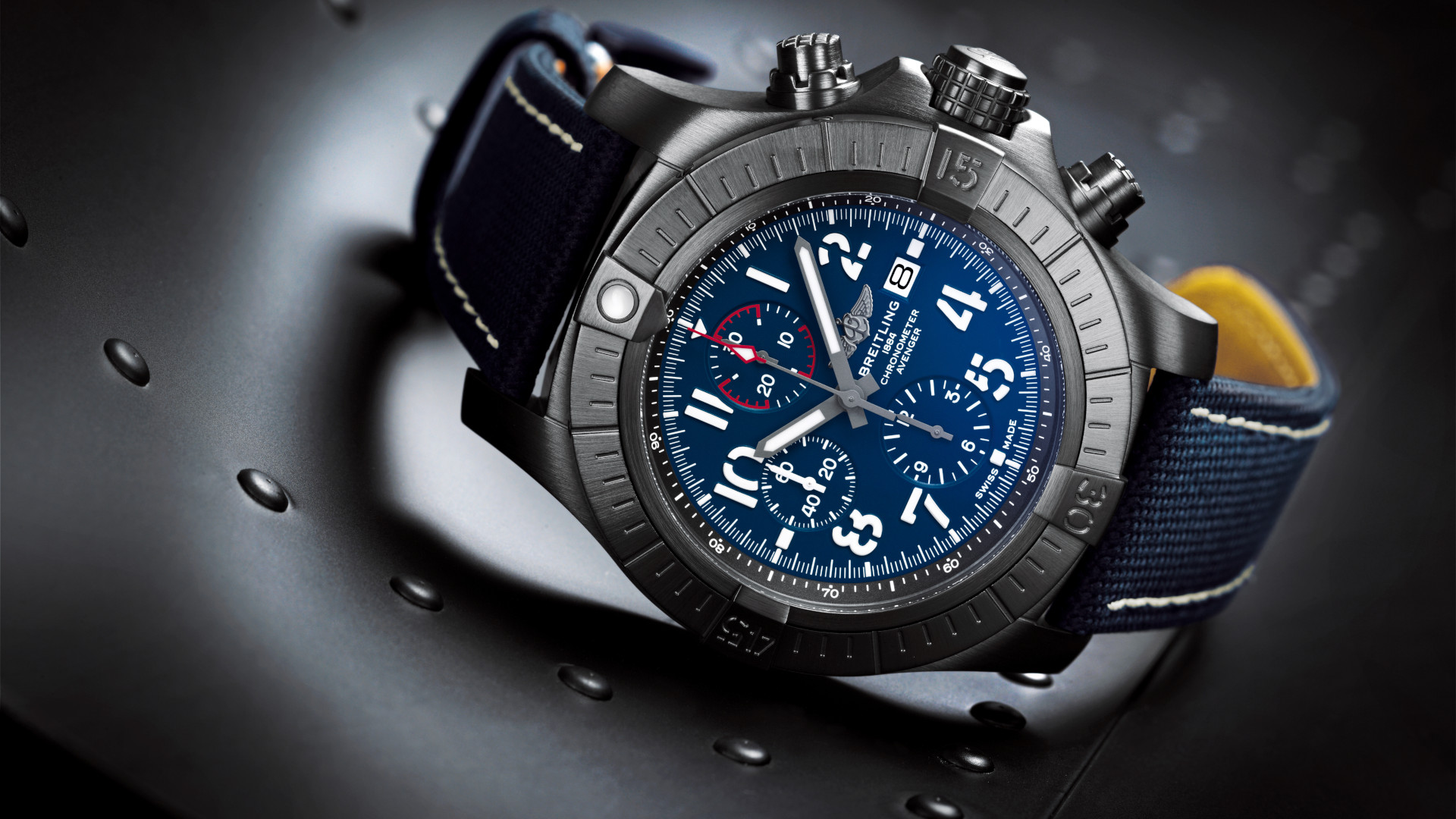 The new Breitling Avenger collection is their take on a modern pilot's watch made to push aviation limits