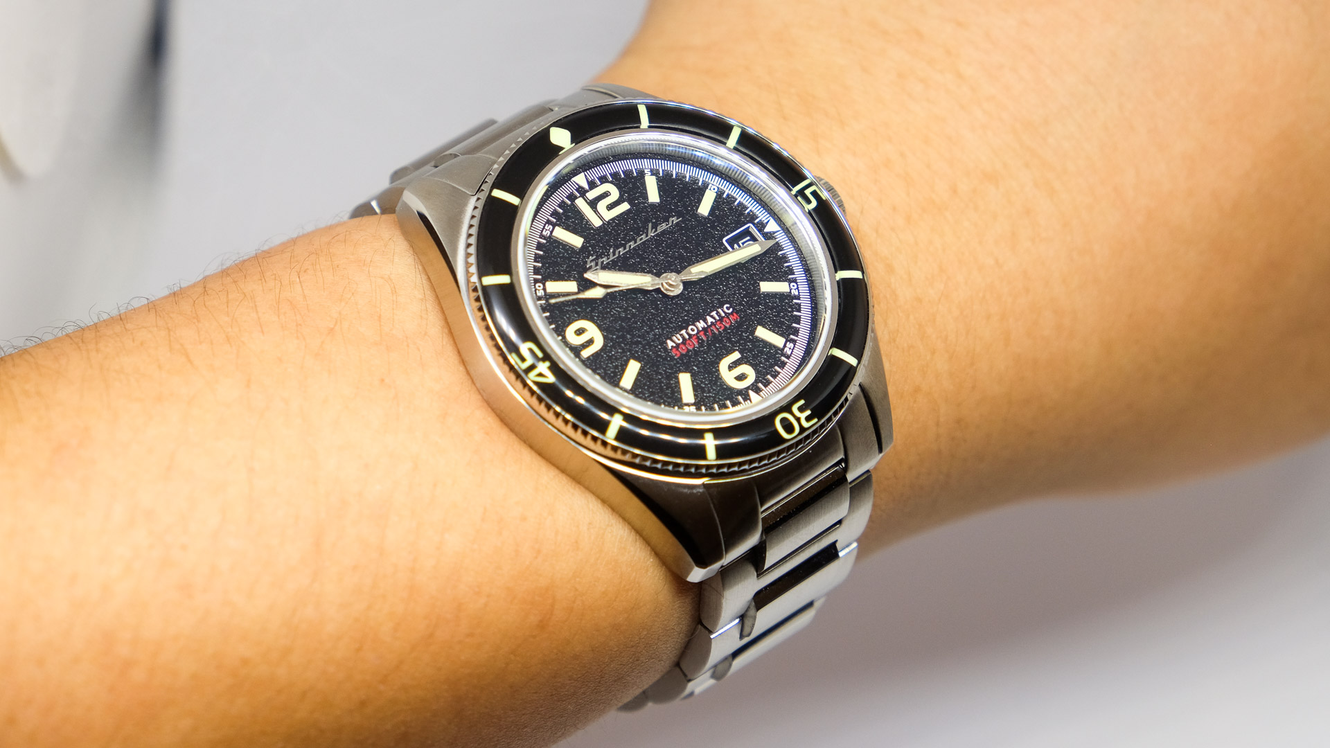 Spinnaker Fleuss SP-5055-44: An affordable entry point into the stainless steel sports watch game