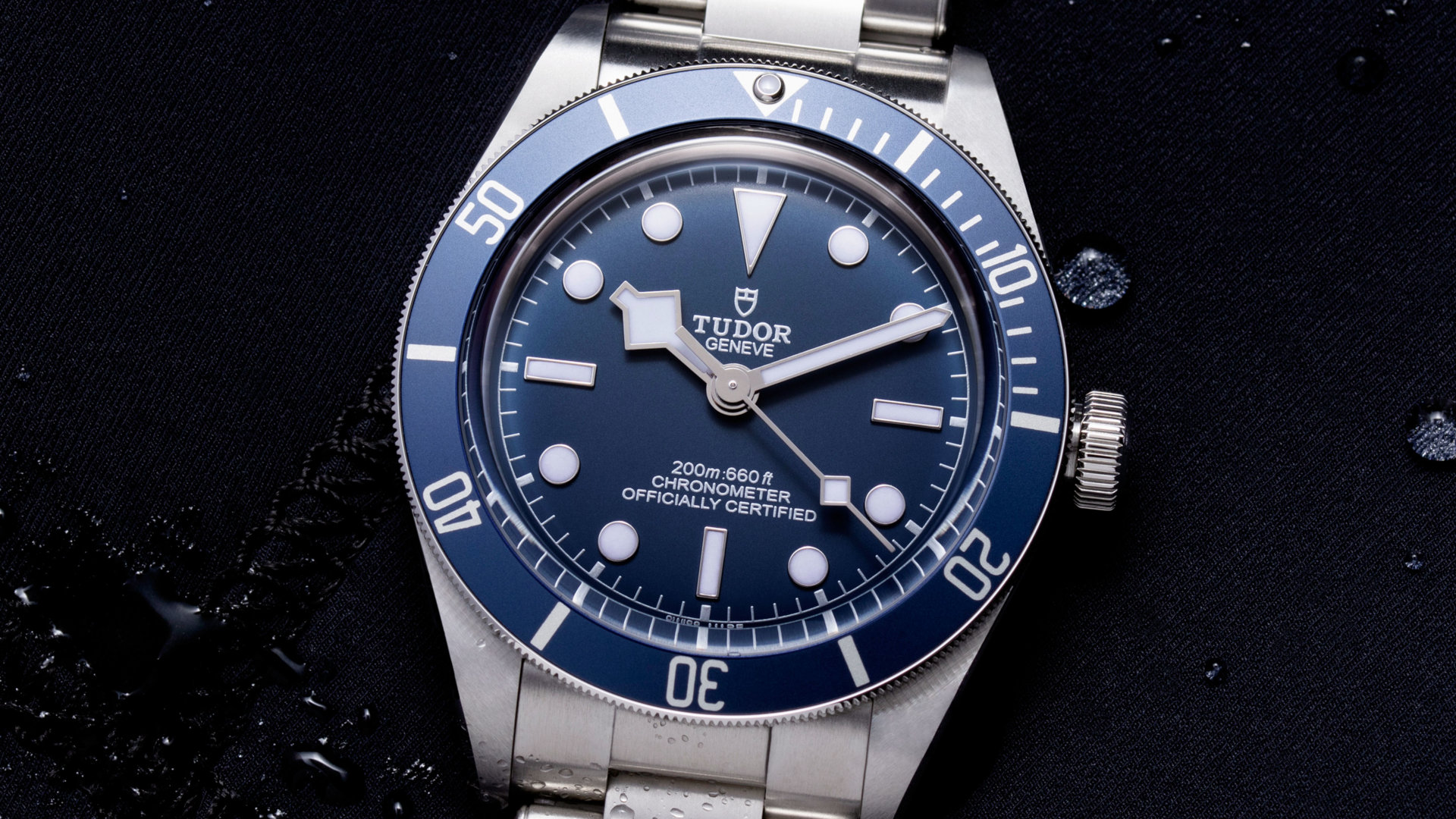 Tudor's Black Bay Fifty-Eight appears in Navy Blue and the watch crowds go wild!